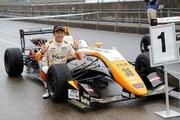 全日本F3選手権第9戦SUGO:坪井がSUGOラウンドを制圧。10連勝&今季15勝目を飾る