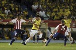 画像:コロンビア、パラグアイに4分間で逆転負け…GKオスピナのミス響く