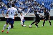 気迫のプレーを見せた新潟がリーグ戦17試合ぶりの勝利!小川の先制点を守り抜く
