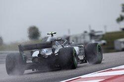 画像:ボッタス「ドライで走れず、誰もがマシンセットアップに苦労する。最後まで結果が読めない週末になりそうだ」:F1アメリカGP金曜