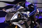 ヤマハ、東京モーターショーでロッシvsモトボットのエピソード3を公開。大型三輪バイクなども世界初披露