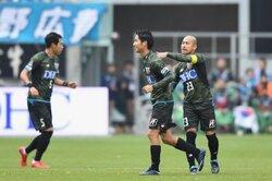 画像:鳥栖、前半の2ゴールを守り逃げ切る…FC東京は6試合白星なし