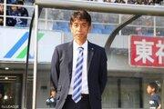 福岡、井原正巳監督の退任を発表「一番長く指揮を執ったことは誇り」