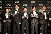 佐藤琢磨、『2017年に活躍した男性』に選出。授賞式で元SMAPらと豪華共演
