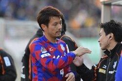 画像:甲府、37歳の山本英臣と契約更新を発表「強い覚悟を持って戦います」