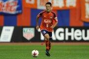 新潟、今季途中加入のMF磯村との契約更新を発表…J1で16試合に出場