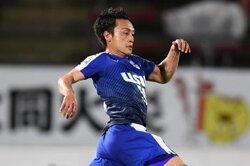 画像:沼津、32歳MF染矢一樹との契約を更新…今季J3で25戦出場「謙虚に泥臭く」
