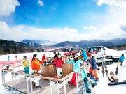 『星野リゾート トマム』で北海道の雪景色&シャンパンを味わう企画を開催! 移動式バーも登場