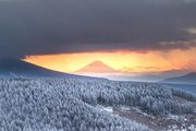 「綺麗すぎて息が止まりました...」 長野・霧ヶ峰で迎えた「冬の朝」が壮大で美しい