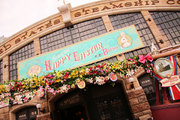 """【ディズニー】シーの人気ブッフェレストランが16年の歴史に幕… """"手下""""ブームなども"""