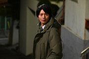松村北斗のピアノ演奏&白黒シャツ姿に注目集まる…「10の秘密」2話