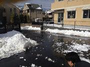 「隣人がウチの前に雪を積む!『すぐ溶けるからOK』って言われても...」(東京都・50代女性)