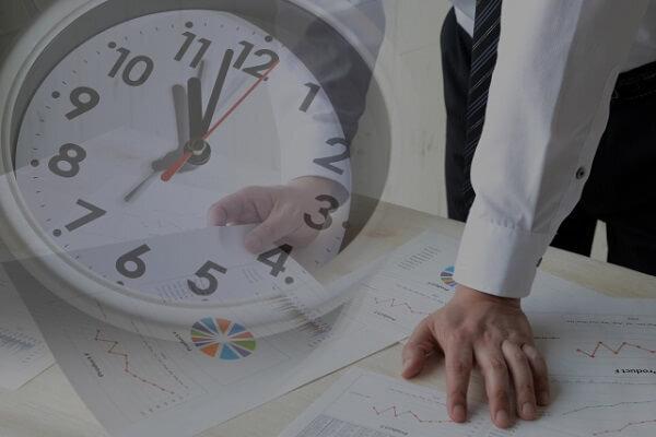 画像:「残業代稼ぎをしてる人」に心底怒る人々 「仕事あるふりして社内をふらふら」「俺らは5時から本気出す」
