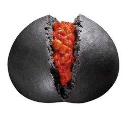 画像:今年もやってきた!ロックバンド「KISS」×サークルKサンクスのコラボ「激辛チリトマトまん」再登場