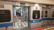 ビックカメラ町田店が「完全に小田急」! 駅再現のユニーク内装、いったいなぜ?