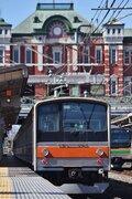 深谷駅ホームに「ジャカルタ行き」の電車が! 武蔵野線205系、惜別で粋な計らい