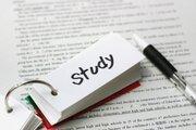 英文聞き取りで使う脳の部位に男女差、中学生対象の研究で判明 男子は文法重視、女子は文全体から分かる情報を活用