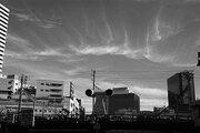 大阪駅の北東にそびえる「二つ目のアレ」 市建設局に正体を聞くと...