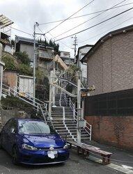 画像:これが坂の町・長崎のバリアフリー! 未来感ある「斜面移送システム」とは?