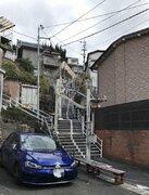 これが坂の町・長崎のバリアフリー! 未来感ある「斜面移送システム」とは?