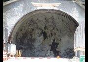 現実なのにCGみたい... 工事中のトンネルが「自然界のバグ」にしか見えないと話題に