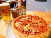 重量1.3kg! クラフトビールに合う超ビッグな「シカゴピザ」を食べてきた