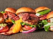 肉バルが本気で作った超級バーガーがすごい! 『肉ソンフレッシュです!バーガー』(渋谷)がオープン