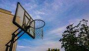 「昼間に家の敷地内で息子がバスケをしていると『いつもうるさいんだよ!』と怒鳴る老人。大人が一緒にいるときは何も言わないくせに...」(新潟・30代女性)