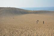 鳥取砂丘は「月面」に似てる!? 探査車の通信実験場に選ばれた理由は...