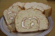 ふわふわ食感&砂糖のシャリシャリ!沖縄の菓子パン「うずまきパン」を食べてみた
