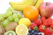 レモン、キウイ、柿、みかん... この中で最もビタミンCが豊富な果物はどれ?