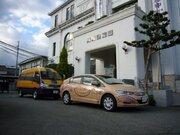 「動物のようだ」「ヘビの柄じゃないか」 豊岡市のラッピング公用車が話題に