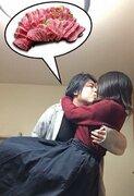 キス&お姫様抱っこで、お肉が割引に! 参加率99%「夫婦チュー割」がスゴい