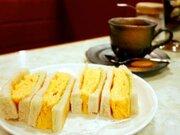 東京の老舗『はまの屋パーラー』で、50年以上愛される「卵サンド」を食べてきた!
