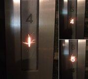「厨二心をくすぐられる」エレベーターの階数表示がこちら